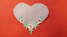 Large, Rosa, ROMANTICO, pizzo, APPLIQUE, passamaneria, matrimonio-Heart Motif - 9CM X 8CM