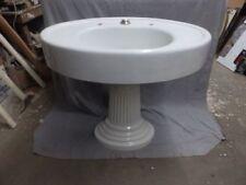 Lavabo con pedestal