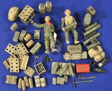 Verlinden 1/35 M109A2 155mm Howitzer Gear & Ammo and Crew (2 Figures) 2772
