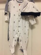 jasper conran O-3 Months  Baby grows / Play Suits / Sleep Suit Set With Two Hats