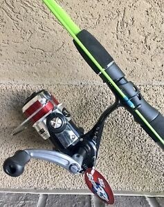 ZEBCO 33SP AUTHENTIC SPINNING REEL 8 lb line w 6 ft HOTCAST 2 Pc SPINNING ROD