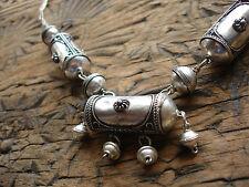 Marroquí empañada brillante barril metálico recargado Perla Collar
