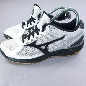 Mizuno Wave Running Shoes Womens Sz 8 Black White Gym Training Athletic Sneakers