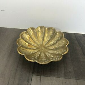 AUTHENTIC VINTAGE BRASS SHELL STYLE TRINKET PLATE DISH LOVELY FIRESIDE MARKED