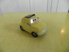DISNEY PIXAR-CARS VOITURE LUIGI FLASH McQUEEN PLASTIQUE  BON ETAT !