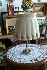 Wundervolle Tischlampe mit Messing-Fuß und eingearbeiteten Kristall  !