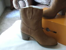 NEW IN Box Unisa cognac Boots  size  6 m