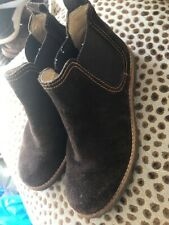 CHILDRENS SIZE 13 EU 32 SUEDE RUSSELL AND BROMLEY CHELSEA BOOTS