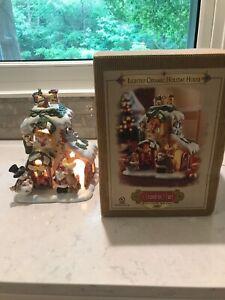 Grandeur Noel LIGHTED CERAMIC HOLIDAY HOUSE Santa Christmas Figurine w/Box