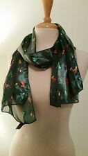"""Vintage Christmas Scarf Polyester Women's Green Red Whimsical 13.5"""" x 60"""" Pretty"""