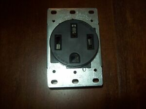 Leviton 279-S00 50 Amp, 125/250V, Nema 14-50R, 3P, 4W, Flush Mounting Recepta