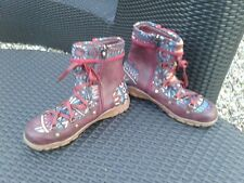 Quirky Dark Red Tapestry Ankle Flat Boots Eize 6