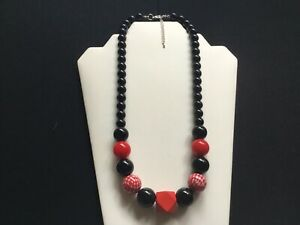 Damen Grob schwarz, rote und weiße Perlen Halskette