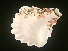 Scalloped Seashell Shell Shaped Floral 3-D Flower Trim Plate