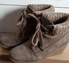 Ladies Wedged Boots Sz 5