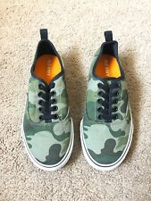 Old Navy Kids Camo Sneakers Size 1