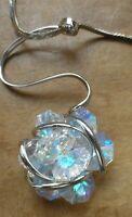 Collier rétro rhodié argenté chaine pendentif fleur en verre boréalis brille A14