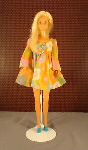 "Gorgeous Vintage Sunset Malibu Barbie Dressed in ""Flower Wower"" #1453 (1970)"