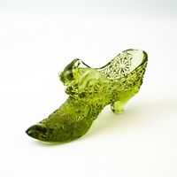 Fenton: Vintage Olive Green Button & Daisy Cat Shoe