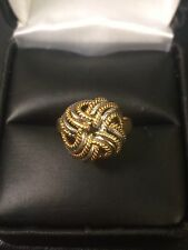 Beautiful Well Made 18KT 750 Two Tone Yellow And White Gold Swirl Knot Ring Band