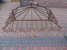 marquise en fer forgé plein coin droit  , toiture de porte d entrée