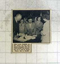 1949 Film Actress Lana Morris Signing Autographs Bentall's Worthing