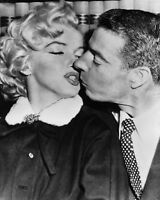 GLOSSY PHOTO PICTURE 8x10 Joe Dimaggio Marilyn Monroe Love