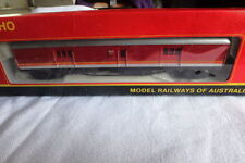 PowerLine Standard HO Scale Model Train Carriages