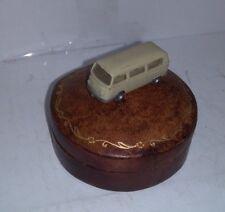 DIORAMA ARTISANAL UNIQUE SUR VIKING  VW COMBI 1/87 BOITE A BIJOUX CUIR