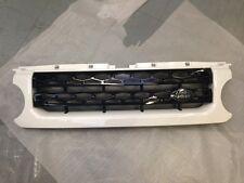 Land Rover Discovery 4 Fuji Blanco y Negro Brillante Landmark Rejilla Frontal-LR032847