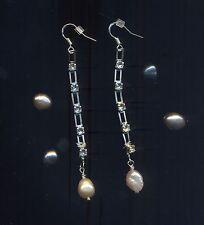 Orecchini in argento 925 con catena Swarovski crystal e perla ovale di fiume