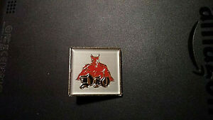 Ronnie James Dio _ORIGINAL 80s pin badge Rainbow Black Sabbath Heavy Metal