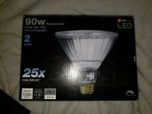 UTILITECH 90W Equivalent Dimmable PAR38 Daylight LED Flood Lights 1280 Lumens