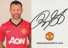 MANCHESTER UNITED HAND SIGNED RYAN GIGGS OFFICAL PLAYER CARD PHOTO.