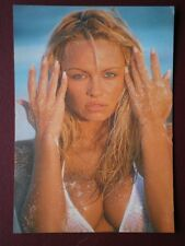 POSTCARD CLOSE UP OF PAMELA ANDERSON LEE B18