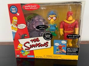 Playmates WoS The Simpsons Lunar Base with Milhouse & Ranier Wolcastle