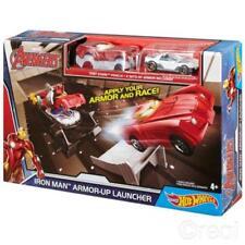 Action figure di eroi dei fumetti armature