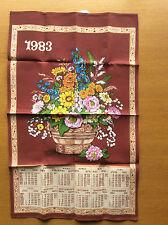 Nueva cosecha 1983 Calendario Alemán toalla de té, impresión floral de la cesta, Marrón Rojo Azul