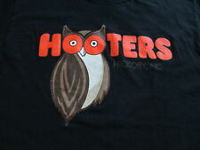 Hooters Hickory NC North Carolina Black Orange Owl T Shirt Size S Small M Medium