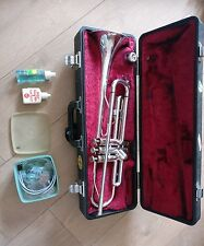yamaha T100S trumpet with case and cleaning kit