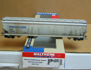 WALTHERS 932-7157 HO PROCOR (UNPX) 4-Bay Covered Hopper #123989