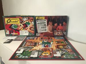 VINTAGE WADDINGTONS 1996 CLUEDO BOARD GAME .... Detective Fun