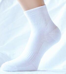 M&S Womens White Anti Blister Trainer Walking Sports Socks. Brand New 2 Pairs.