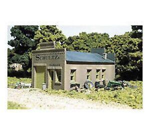 Woodland Scenics DPM - SCHULTZ'S GARAGE - HO Scale Building Kit 20100
