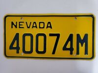 VINTAGE NEVADA LICENSE PLATE EMBOSSED YELLOW/BLUE 40074M