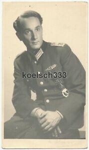 Foto Portrait Oberleutnant der Wehrmacht Nahkampfspange DKiG Sturmabz. Goslar !
