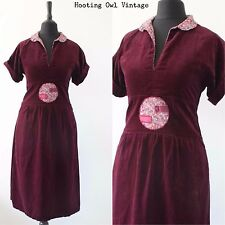 VINTAGE 1970S VELVET APPLIQUE BURGUNDY WINE 1940S STYLE LANDGIRL TEA DRESS 12
