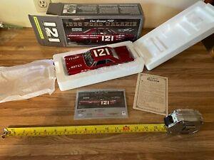 DAN GURNEY #121 AUGUSTA MOTOR SALE UNIVERSITY OF RACING AUTOGRAPHED 1:24 DIECAST
