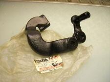 YAMAHA 34k-27422-00 supporto predellini destra XT 600 Footrest footpeg bracket RHS