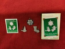 HALLMARK MINATURE ORNAMENT PEACE, HOPE, AND JOY THE GIFTS OF CHRISTMAS 2005